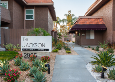Welcome to The Jackson Apartment Homes Sign monument